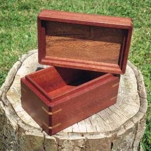 Mahogany and Rewarewa box